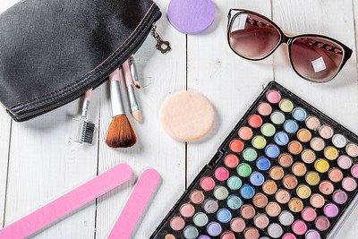 Dealing With Food Allergies in the World of Cosmetics